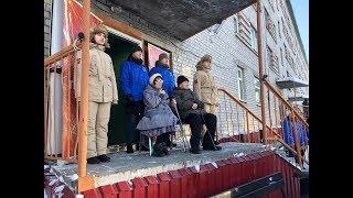 Для единственного участника Великой Отечественной в Лабытнанги организовали парад во дворе его дома