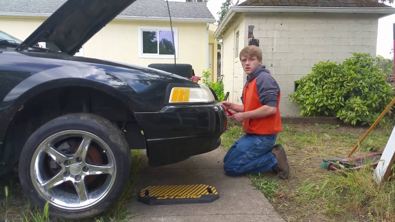 How To Remove A 2001 Mustang Front Bumper Cover Youtube