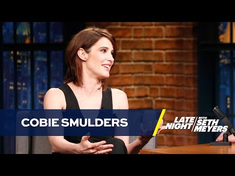 Cobie Smulders Uses Fans to Answer