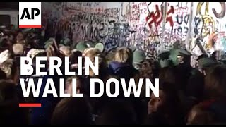 The Berlin Wall comes down - 1989