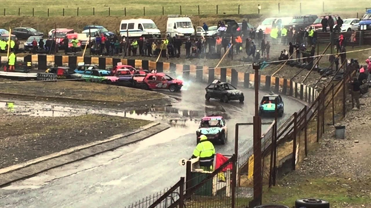 Warton stock car club bangers juniors midwinter open 2015 for Stock car a couture 2015