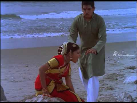 Vishwa Thulasi - Nizhalin Kadhai Song