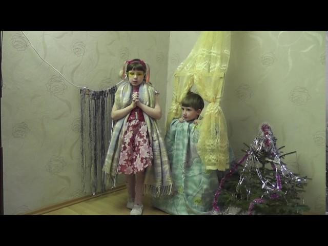 Изображение предпросмотра прочтения – «Любимовы» читает произведение «Басня Стрекоза и Муравей» И.А.Крылова