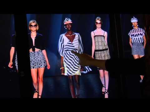 Diane von Furstenberg (DVF) - Fashion Week: Touch Video Screens, Digital Signage