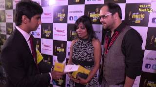 Siddharth and Garima get candid with RJ Kabeer at the #MMAWARDS RED CARPET