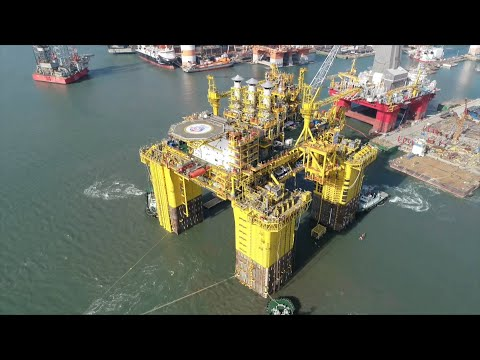 Semi-submersible energy facility undergoes installation in south China