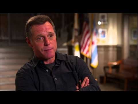 Chicago PD Interview: Jason Beghe Talks Character Attitudes, Past Issues, and Chicago Fire