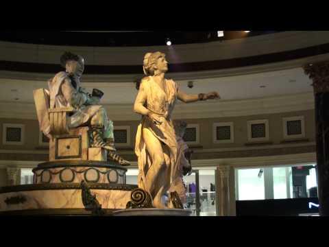 Moving Statue in Caesars Palace - Las Vegas