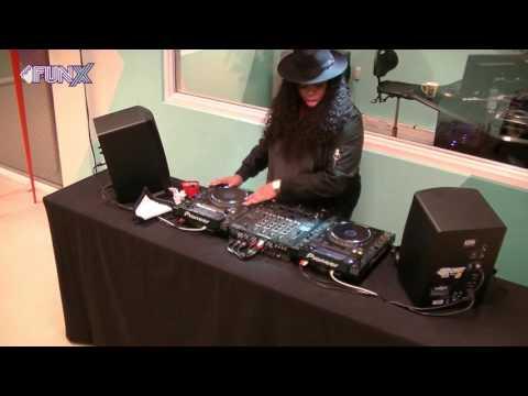 Weekend Wax live set: Kimberlee Ramirez