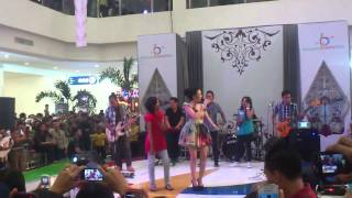 Download giselle - pencuri hati live
