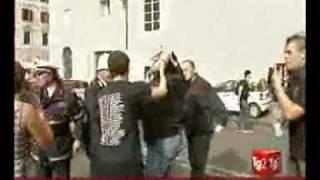 Scontri Piazza Navona - I pestaggi prima degli scontri