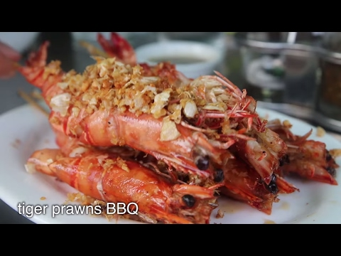 Rakhine SEAFOOD Feast in Yangon, Myanmar - Tiger Prawns BBQ and Delicious Crab!