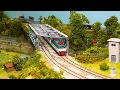FANTASTIC MODEL RAILROAD N SCALE, MODEL TRAINS, MODEL RAILWAY ACTION!!