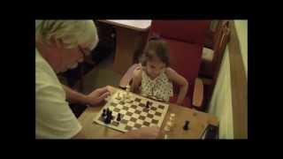 видео Играть в шахматы для ребенка 6-7 лет онлайн