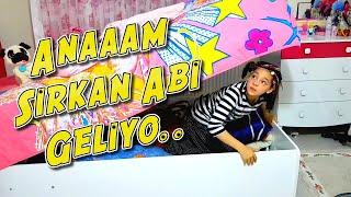 Temizlikçi Melikenin Odasına Gizlice Gelip Dağıtıyor ( YENİ) Eğlenceli Çocuk Videosu