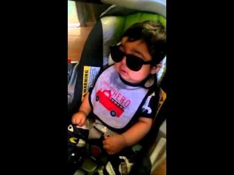 Mi bebe antes del autismo,a noah le gustan sus lentes