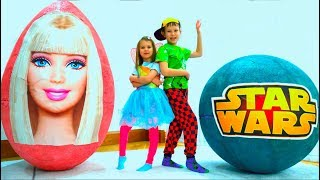 Max and Katy play with Giant surprise eggs Barbie and Star Wars toy