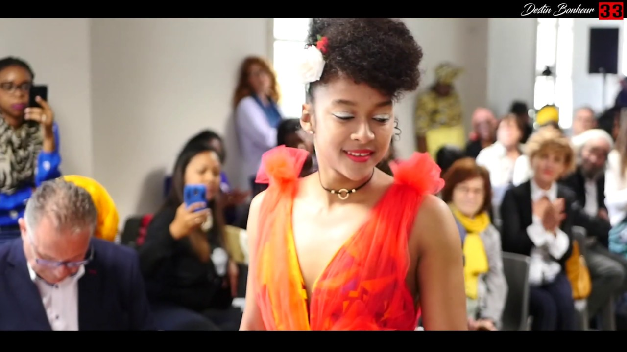 Download Colors of Africa - Fashion show