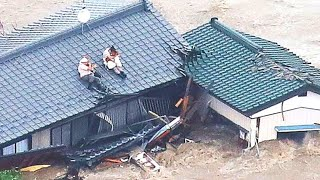 when-a-devastating-flood-forced-this-couple-onto-a-roof-they-refused-to-say-goodbye-to-their-dogs