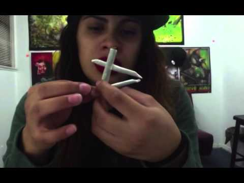 How To Roll A Tic-Tac-Toe Joint (joint tricks)