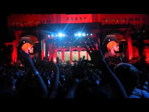 KENDRICK LAMAR w/ SCHOOLBOY Q - COLLARD GREENS - LIVE @ LA CITY HALL - 8.30.2014