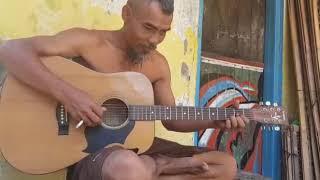 Download Video Petikan master gitar Cover lagu Panggung sandiwara MP3 3GP MP4