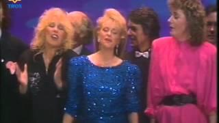Hollandse sterren (oa. Rene Froger, Andre van Duin & Nico Haak) - Gelukkig kerstfeest