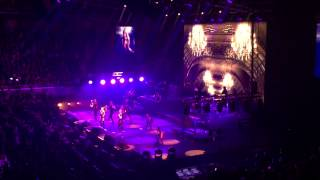 Ariana Grande - Right There (The Honeymoon Tour | MANILA)