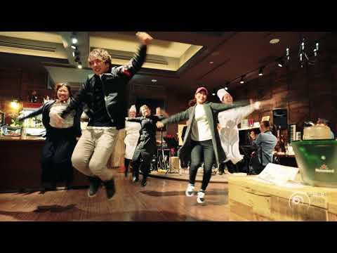 """生歌でサプライズ!フラッシュモブ プロポーズ """" うれしい!たのしい!大好き! """" DREAMS COME TRUE Flashmob Surprise Proposal"""