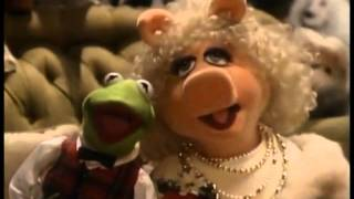The Pogues feat Kirsty Maccoll vs The Muppets-Fairytale of New York-video edit