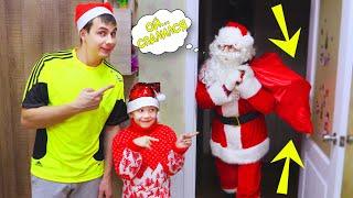 Какие ПОДАРКИ Принес САНТА? Рома и ПАПА Наряжают ЁЛКУ и Открывают Подарки от Dickie Toys!