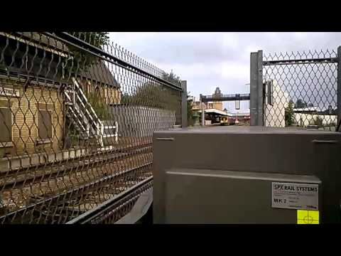 Lincoln Central Level Crossing (06/10/15)