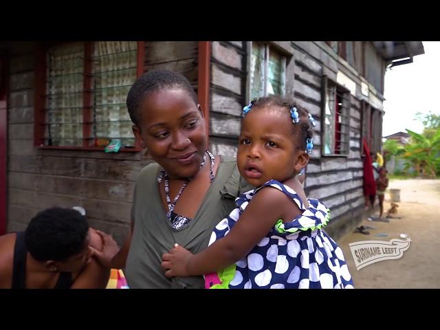 Suriname Leeft | Tienermoeder wil, ondanks economische situatie, advocaat worden.