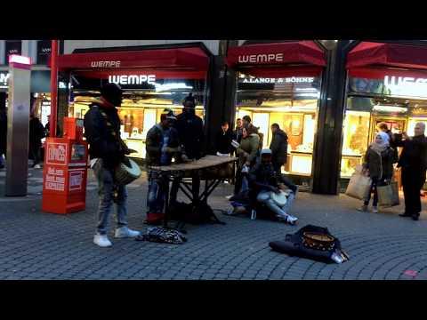 The street stars I Cologne Germany I Music under sky 001