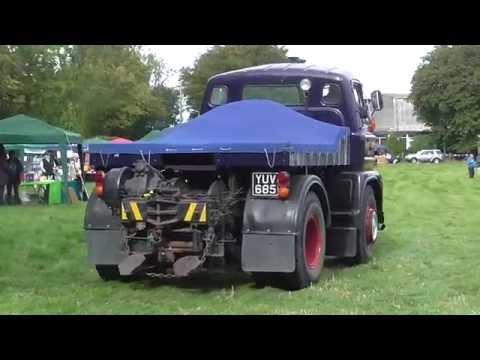 Halton Village Heritage Fete 13/09/15 - Vintage Cars Arriving