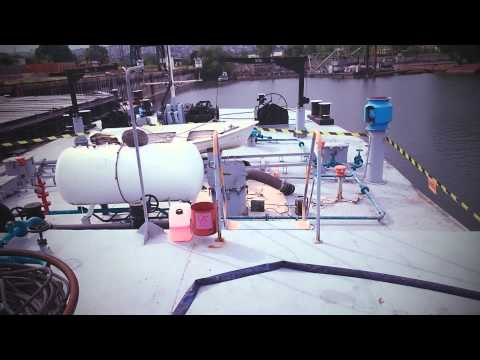 Petrochemical tanker cleaning