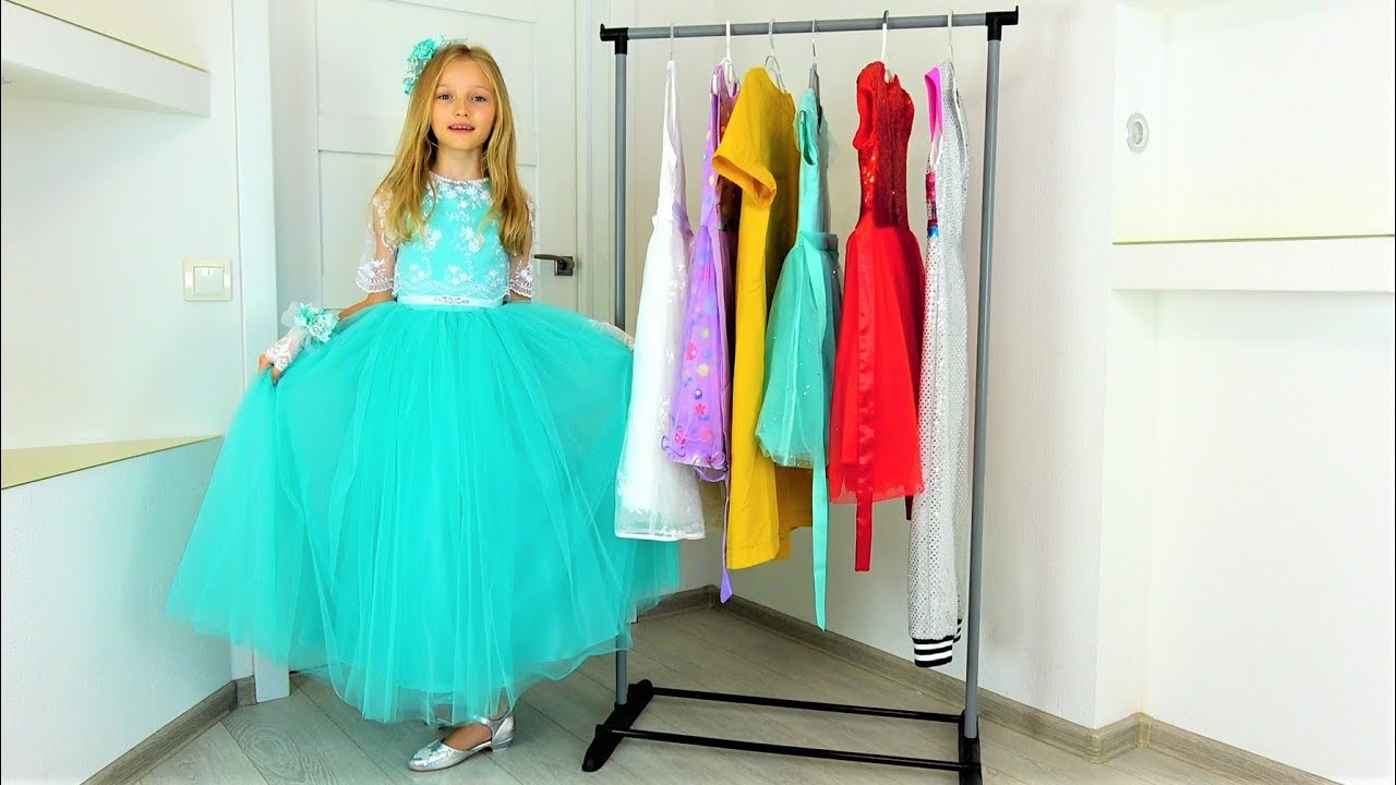 Полина идет на четыре вечеринки для принцесс