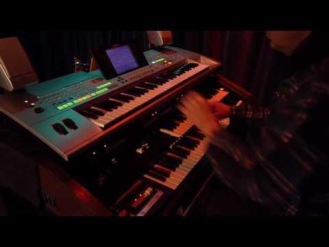 Adrian Rose Hammond B300 and Leslie HL715 A Greyer Hue of Organ