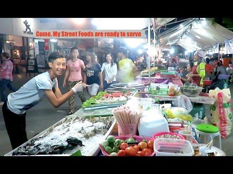 Street Food in Battambang City Cambodia - Nighttime Asian Street Food