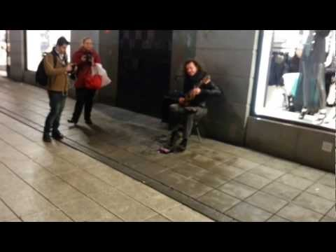 Discovery Channel  (Bloodhound Gang ) - Eugenio Jedi Martinez - Street musician Stockholm mp3 letöltés