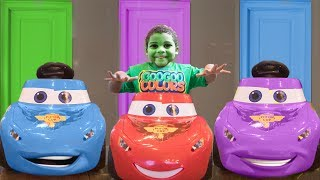 LIGHTNING MCQUEEN LOST HIS COLORS! Learn Colors with Doors and Ball Pit Party Goo Goo Colors