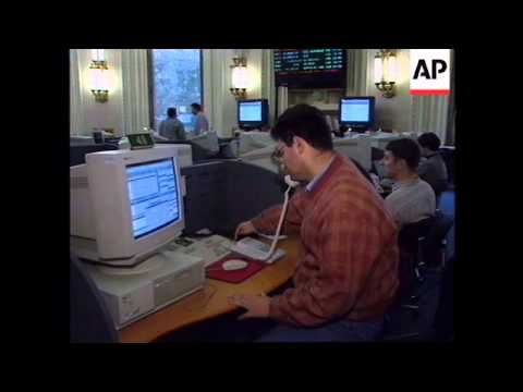RUSSIA: MOSCOW: STOCK PRICES TAKE ANOTHER PLUNGE