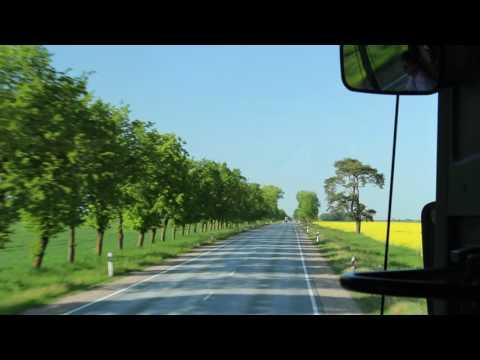 十字架の丘~ラトビアの道風景