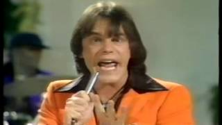 Watch Showaddywaddy Doo Wah Diddy video