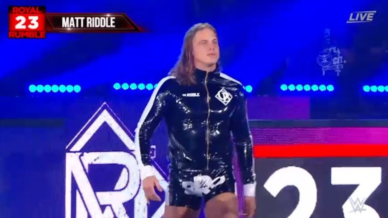 Matt Riddle entrando al Royal Rumble como numero 23, con Brock Lesnar ya eliminado.