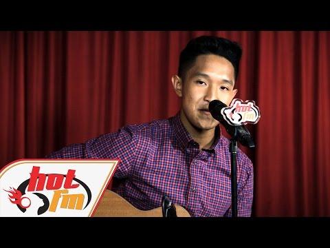 AZIZ HARUN - Mama (LIVE) - Akustik Hot - #HotTV