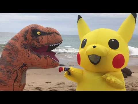 Pikachu Vs TRex: Beach Fight!