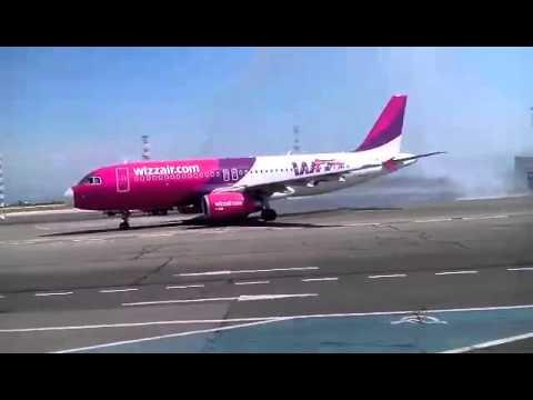"""Петият """"български"""" самолет на Wizz air пристигна с 5 нови дестинации"""