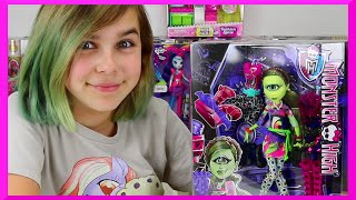 Monster High - I ♥ Fashion Iris Clops Doll Review - Daughter of Cyclops