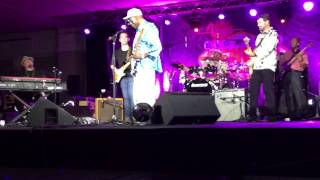 Buddy Guy w/ Tab Benoit & Quinn Sullivan - Drowning on Dry Land
